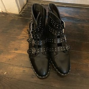 Forever 21 brand new edgy boots